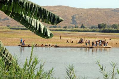 Ma13003-Nad Rzeką Tsiribihina