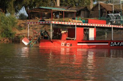 Ma14089-Blaszany okręt