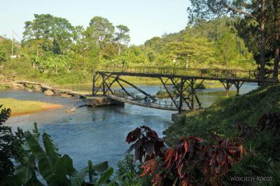 Ma24058-Most zniszczony przezpowódź