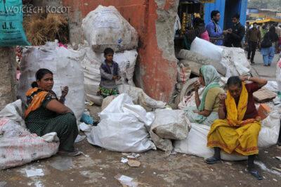 IN02034-Delhi-Przy głównej ulicy