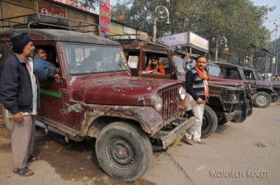 IN02050-Delhi-Autka dowynajęcia