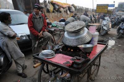 IN02135-Delhi-Uliczne żarcie