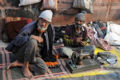 IN02136-Delhi-Warsztat krawiecki