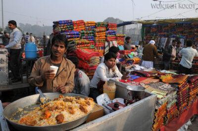 IN02137-Delhi-Uliczne żarcie