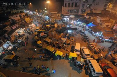 IN02224-Delhi-Widok zknajpy naplac