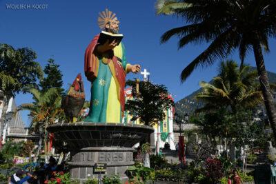 g158-San Pedro-kościłół San Pedro zkogutem