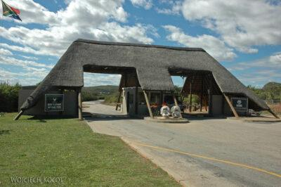 SA15004-Addo Elephant-Gate