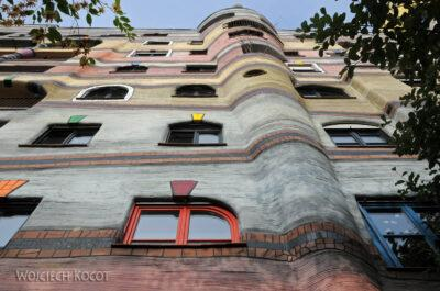 Por25011-Hundertwasser - WaldSpirale - Darmstadt, Friedberger Strasse