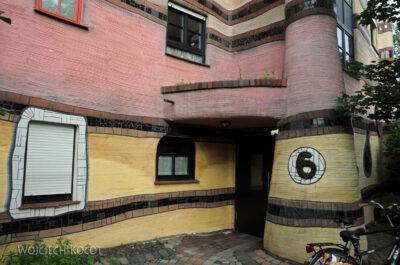 Por25031-Hundertwasser - WaldSpirale - Darmstadt, Friedberger Strasse
