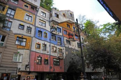 Por26056-Hundertwasser- Wien, Löwengasse