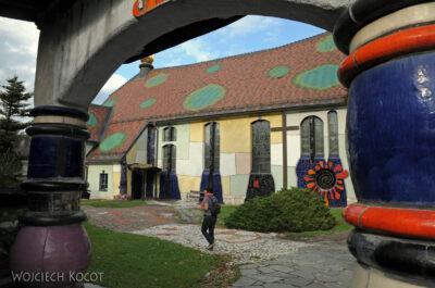 Por26084-Hundertwasser- Kościółek wBärnbach