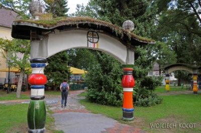 Por26122-Hundertwasser- Kościółek wBärnbach