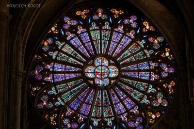 Por04025-Carcassone-Katedra-witraż