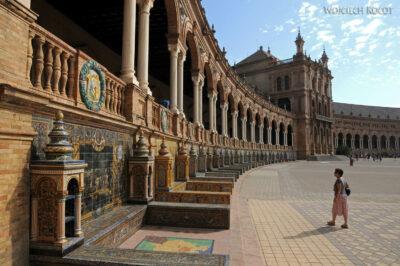 Por12011-Sevilla-Kwa naPlaza de Espana - tu Expo