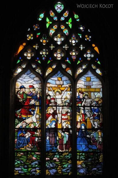 Por16115-Batalha - Klasztor - wnętrze - witraże