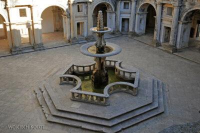 Por16278-Tomar - Klasztor-Zamek - Dziedziniec
