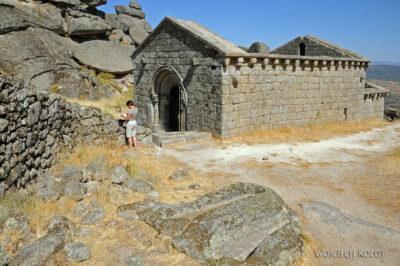 Por17068-Monsanto - Ruiny Kościółka nagórze