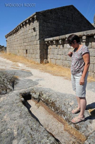 Por17069-Monsanto - Ruiny Kościółka nagórze