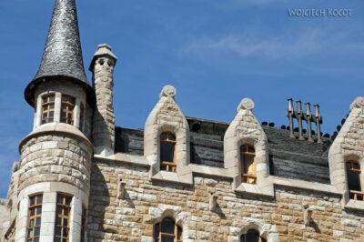 Por20014-Leon - budynek Gaudiego