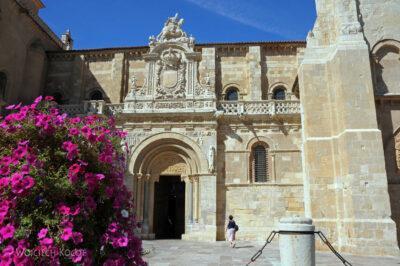 Por20032-Leon - Kościół Św.Izydora