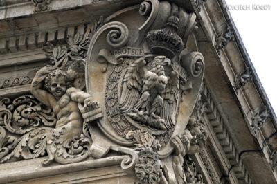 Por23036-Paryż - Luwr - detale architektoniczne