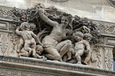 Por23037-Paryż - Luwr - detale architektoniczne