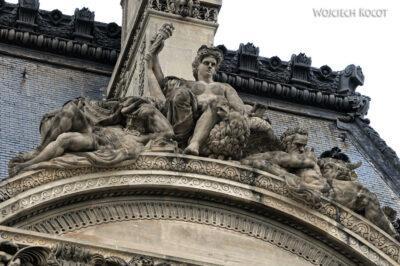 Por23038-Paryż - Luwr - detale architektoniczne