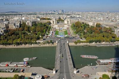 Por23105-Paryż - Wieża Eifla - widok NE
