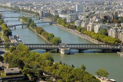 Por23108-Paryż - Wieża Eifla - widok SE
