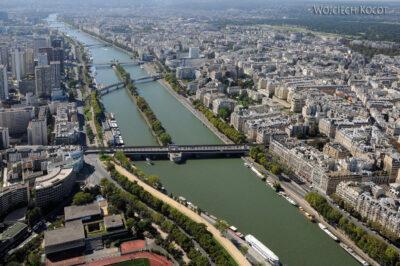 Por23157-Paryż - Wieża Eifla - widok SE