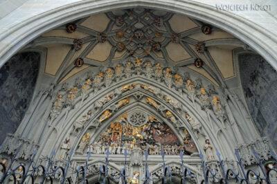Gen06034-Bern-Ozdobne wejście doKatedry