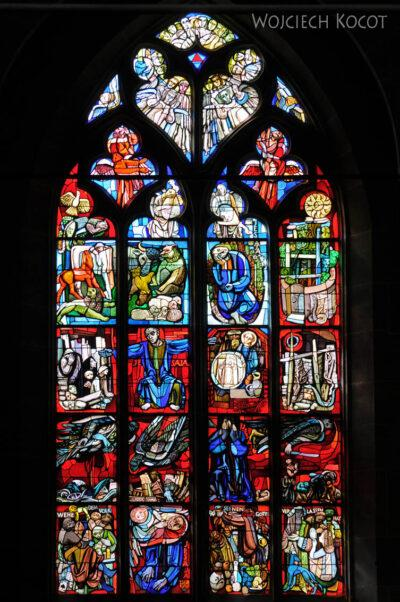 Gen06045-Bern-Katedra - jeden zwitraży