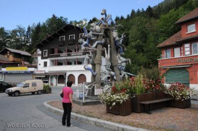 Gen09067-Rzeźba-pomnik naPlateau-D'Assy