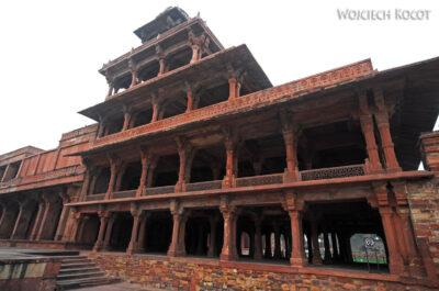 IN03103-Fatehpur Sikri - Piętrowa Kolumnada przy dziedzińcu