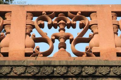 IN04197-Agra-Przed wejściem doTaj Mahal
