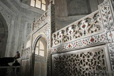 IN04242-Agra-Taj Mahal - wnętrze