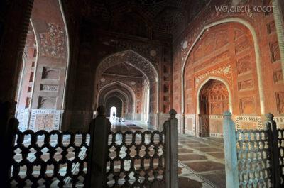 IN04301-Agra-Taj Mahal - wnętrze Meczetu (budynek zachodni)