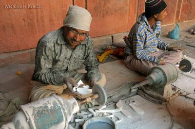 IN04306-Agra-Kamieniarze zTaj Mahal