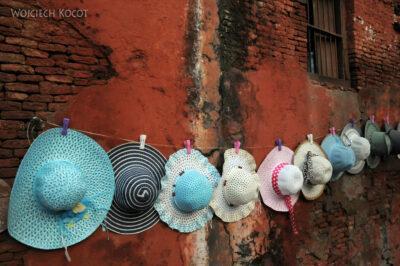 IN04314-Agra-Naścienne kapelusze