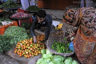 IN04336-Agra-Targ warzywny