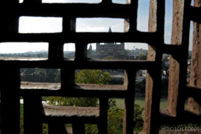 IN05124-Orcha-Raja Mahal (pałac stary) - misterna kamieniarka okienna