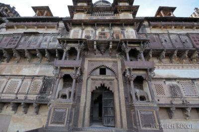 IN05159-Orcha-Jehangir Mahal (pałac nowy) - fasada wschodnia