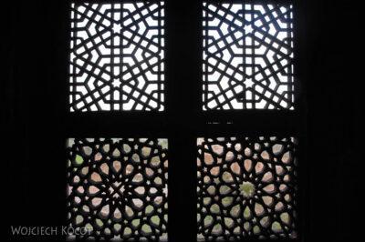 IN05192-Orcha-Jehangir Mahal (pałac nowy) - misterna kamieniarka okienna