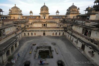 IN05200-Orcha-Jehangir Mahal (pałac nowy) - dziedziniec