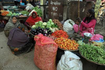 IN06050-Orcha-Na targu warzywnym