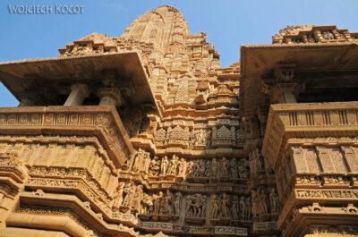 IN07023-Khajuraho-Laxmana Temple