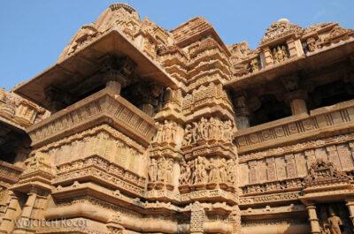 IN07025-Khajuraho-Laxmana Temple