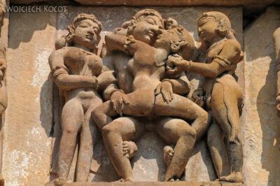 IN07136-Khajuraho-Vishwanath Temple