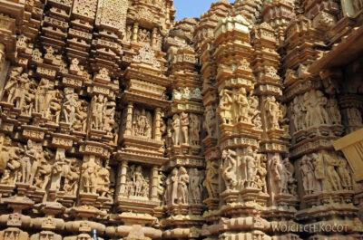 IN07158-Khajuraho-Vaman Temple