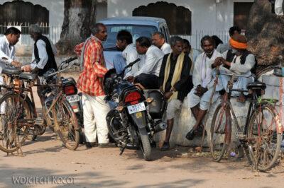 IN07230-Khajuraho-Męskie zajęcia